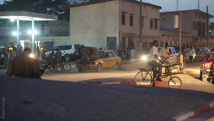 Expedition nach Ounianga, Strassenszene in N'Djamena am Abend, Explore Chad