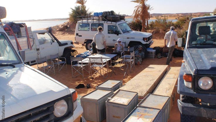 Expedition to Ounianga, expedition camp and cars, Explore Chad