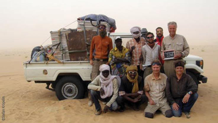 Expedition nach Ounianga, Expeditionsteam während eines Sandsturms, Explore Chad