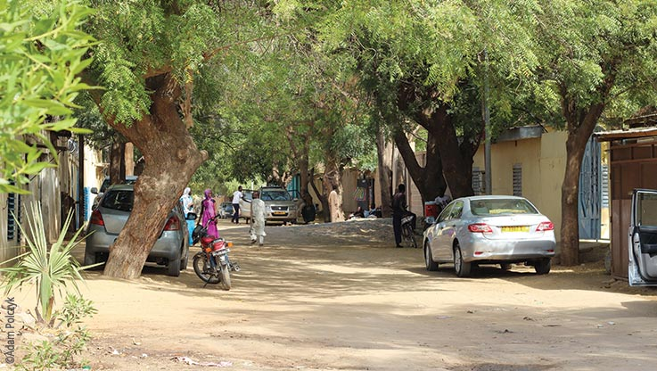 Expedition nach Ounianga, Strassenszene in N'Djamena am Tag, Explore Chad
