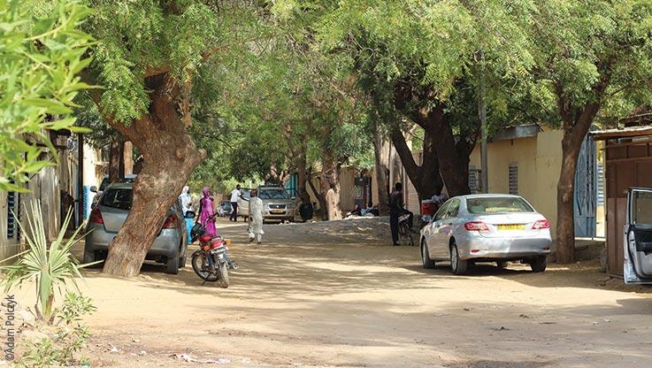 Expedition nach Ounianga, Strassenszene in N'Djamena am Tag, Explore Chad