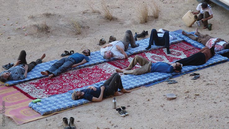 Expedition to Ounianga, expedition team having a rest, Explore Chad