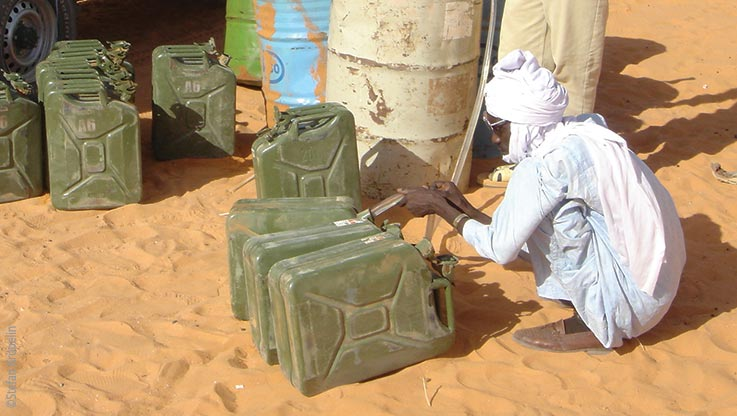 Expedition to Ounianga, water containers, Explore Chad