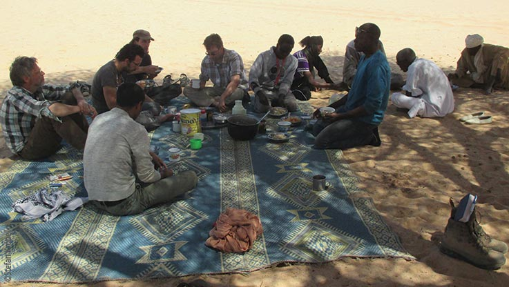 Expedition to Ounianga, expedition team eating, Explore Chad