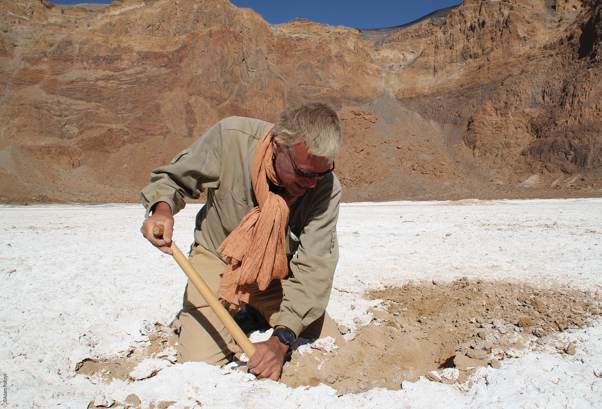 The Tibesti Mountains, Era Kohor, Stefan Kröpelin taking samples, Explore Chad