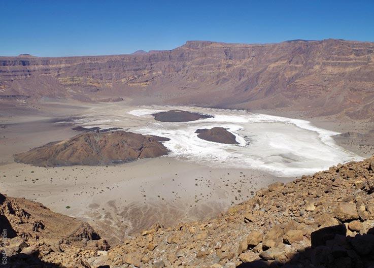 Das Tibesti Gebirge, Das Trou au Natron, Blick von oben, Explore Chad